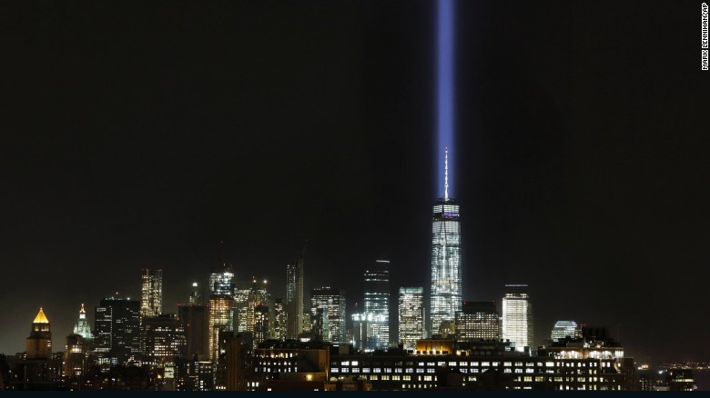 9/11 tribute lights briefly shut off after birds get trapped