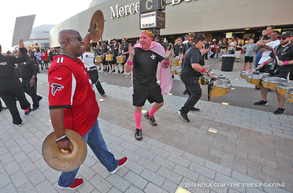 Who Dats and Dirty Birds gather outside Superdome: photo gallery
